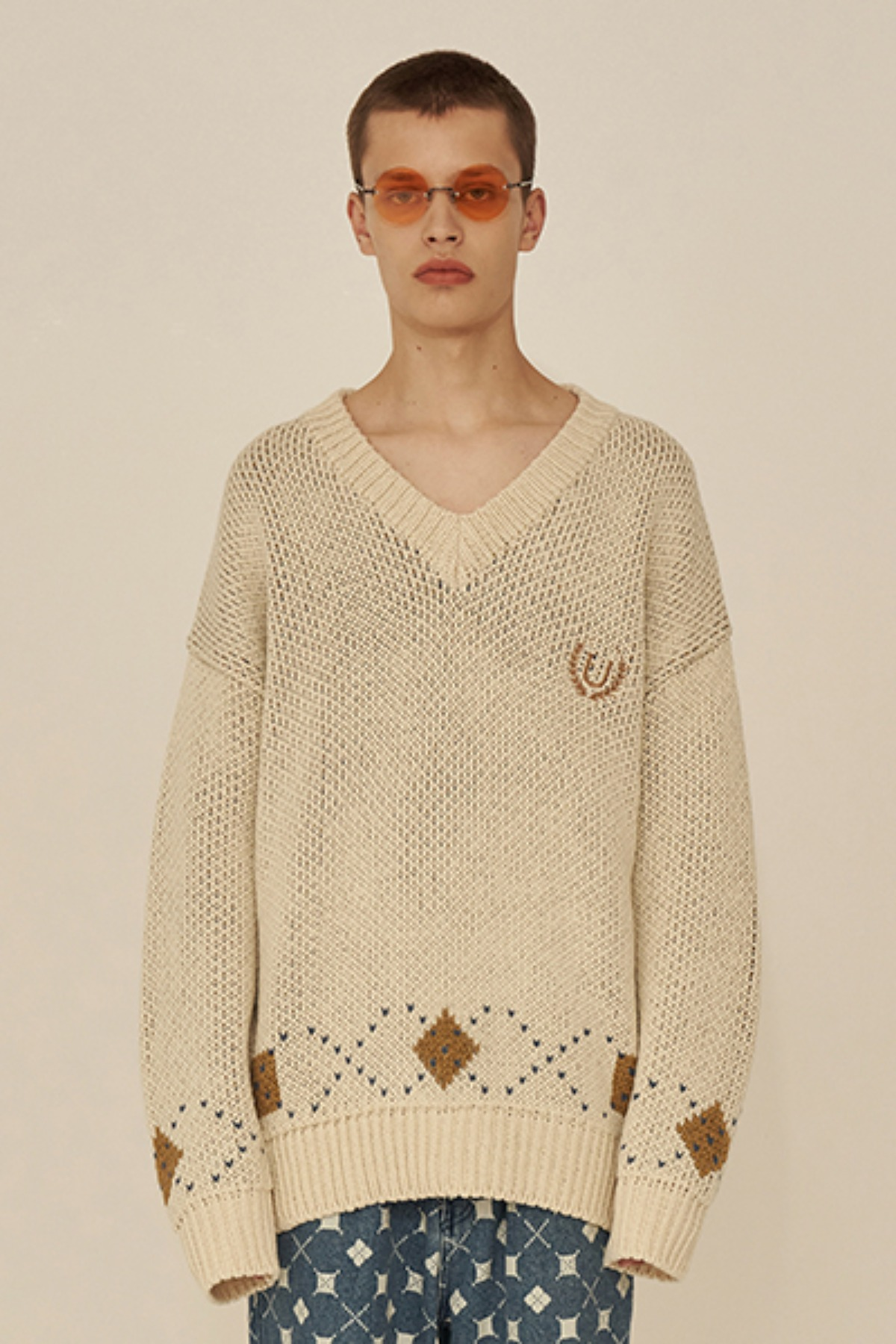 ARGYLE POINT V NECK KNIT / IVORY