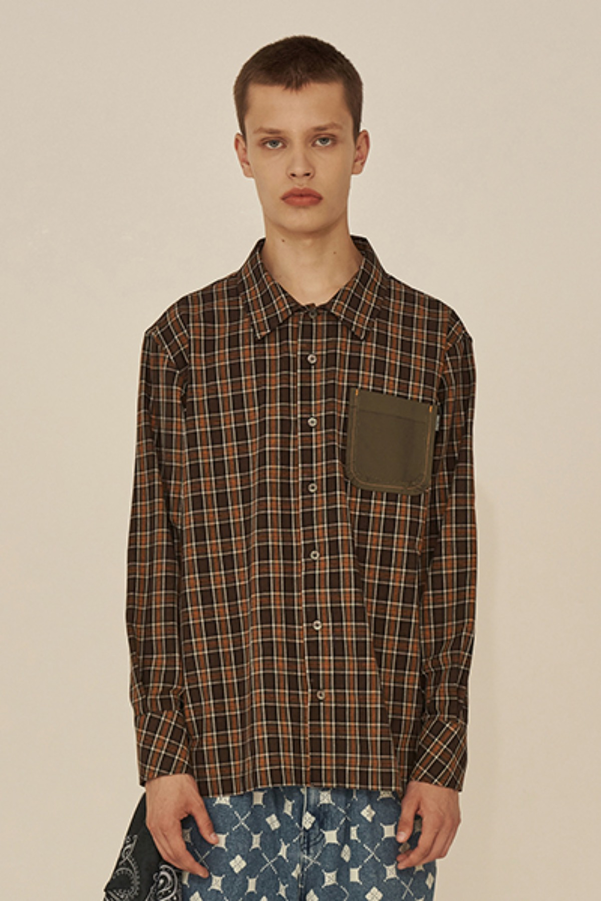 REVERSE POCKET CHECK SHIRT / KHAKI